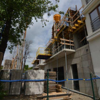 10 MAJA 2017- wylewane są słupy żelbetowe 2 piętra